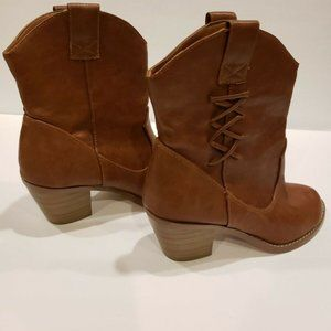 Women's Soda Booties  Boots Shoes Brown Size 6